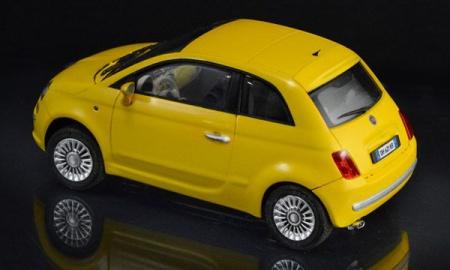 MAQUETTE FIAT 500 ITALERI I3647 A CONSTRUIRE A MONTER A COLLER SYRACOM MODELISME ESLETTES ROUEN NORMANDIE